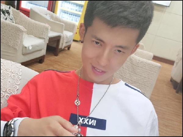 YY日报:主播载誉归,神豪投老李