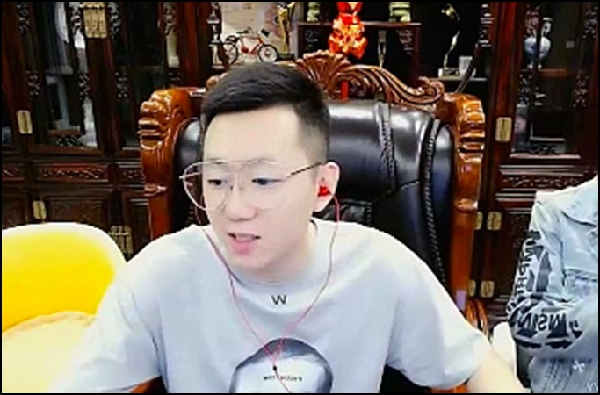 YY日报:哦哥上大号?哲李文再战